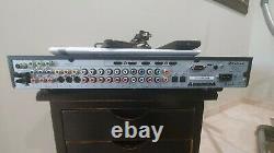 Modèle Audio Hors-la-loi 975 Pré-amplificateur/processeur